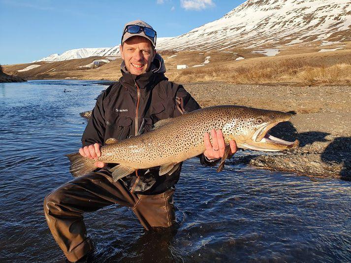 Flottur birtingur úr Eyjafjarðará hjá félögunum í VÆS fly fishing.