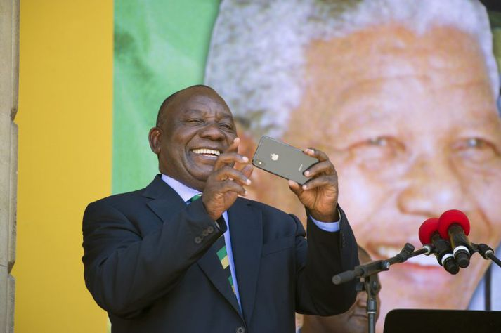 Ferill hins 65 ára Cyril Ramaphosa er um margt merkilegur.