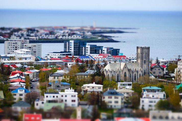 Á höfuðborgarsvæðinu hækkar matsverð íbúða í sérbýli meira en íbúðir í fjölbýli en á landsbyggðinni er þessu öfugt farið.