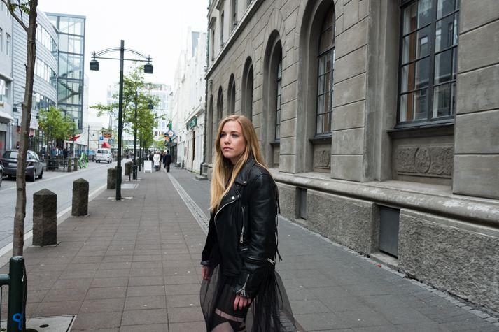 Borghildur Indriðadóttir stendur að baki sýningunni og gjörningnum Demoncrazy.