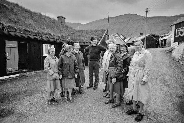 Tomas og nunnurnar í Færeyjum árið 1988.