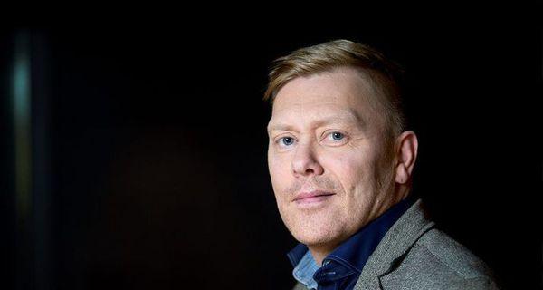 """Jón Gnarr """"einkaspæjari"""" rannskar Íslandssöguna"""