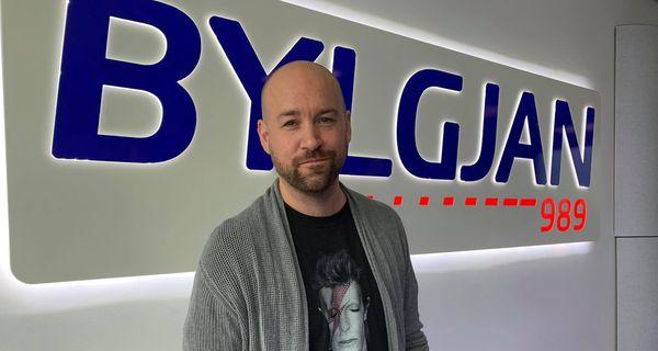 Bakaríið - Svenni Þór kíkti með gítarinn