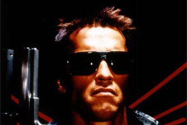 Magasín: Arnold Schwarzenegger pantar gistingu.